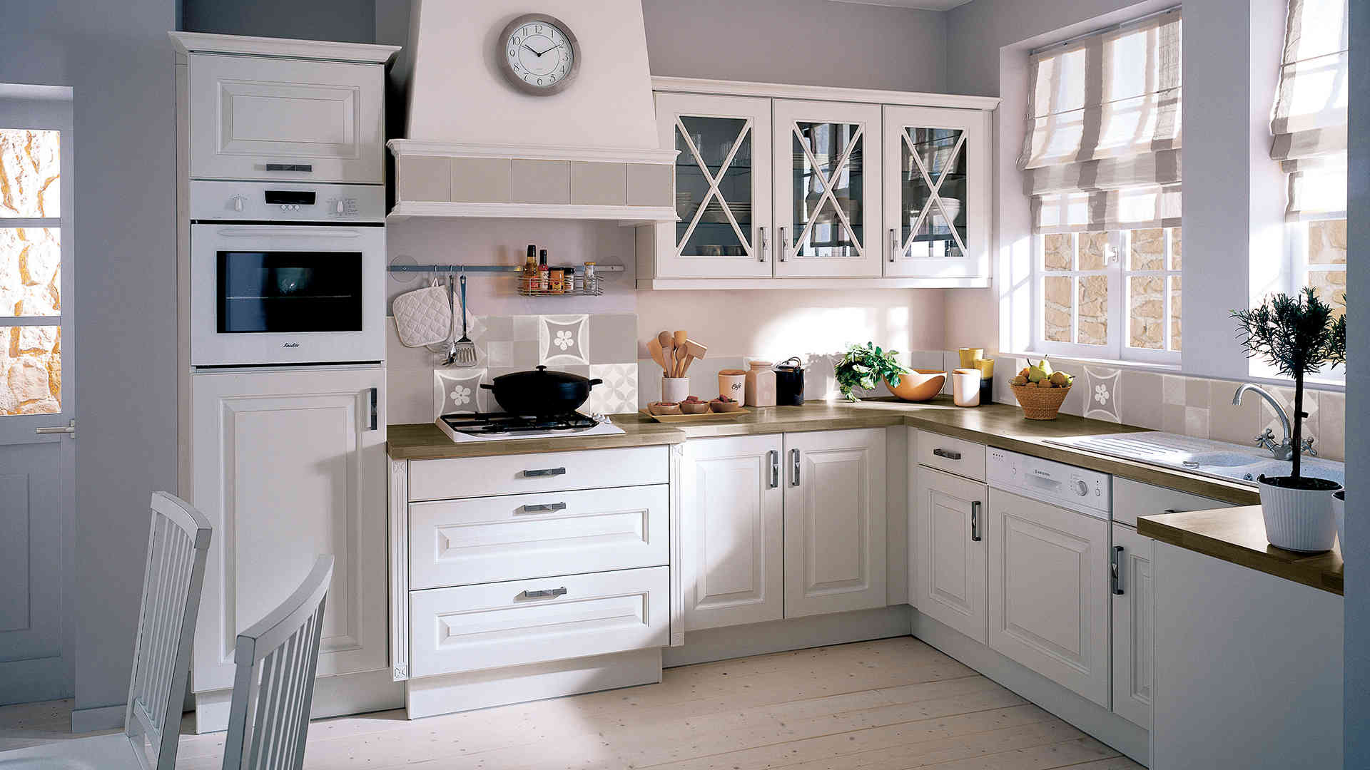 Cuisine blanc dar d co d coration int rieure maison tunisie for Decoration armoire de cuisine