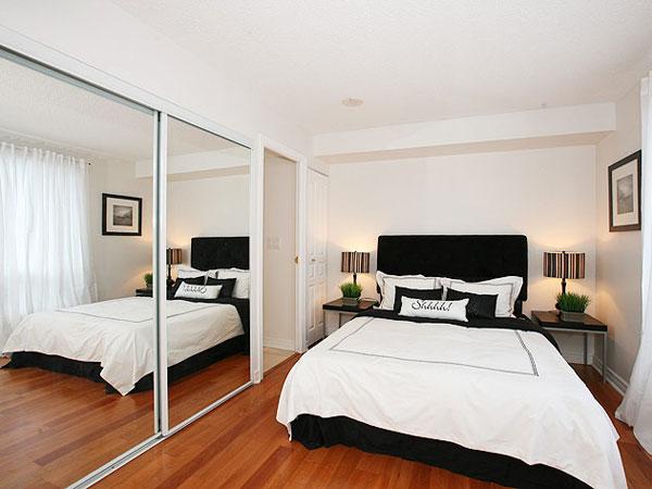 Agrandir une petite chambre par des miroire