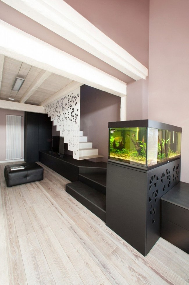 Aquarium Integrer Salon Escalier